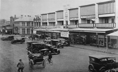 Cars and buggy 1927