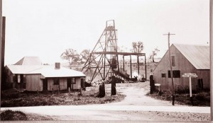 Wentworth main mine in operation baling water circa 1930s